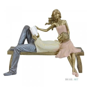 Estátua Casal no Banco