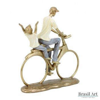 Estátua Pai e Filho na Bicicleta